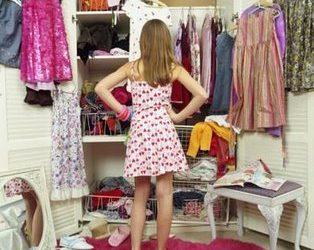 Dicas para organizar o closet e armário conforme a sua personalidade
