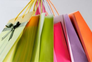 Como comprar roupas com qualidade e economizar