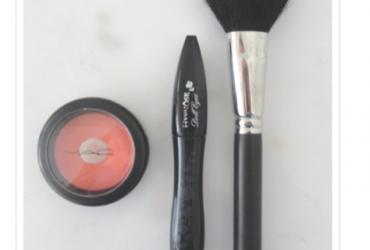 52 objetos- objeto 17 (maquiagens)