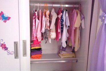 Meu cantinho- armário de criança organizado