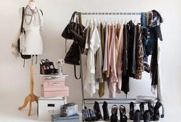 Como organizar as roupas sem armário